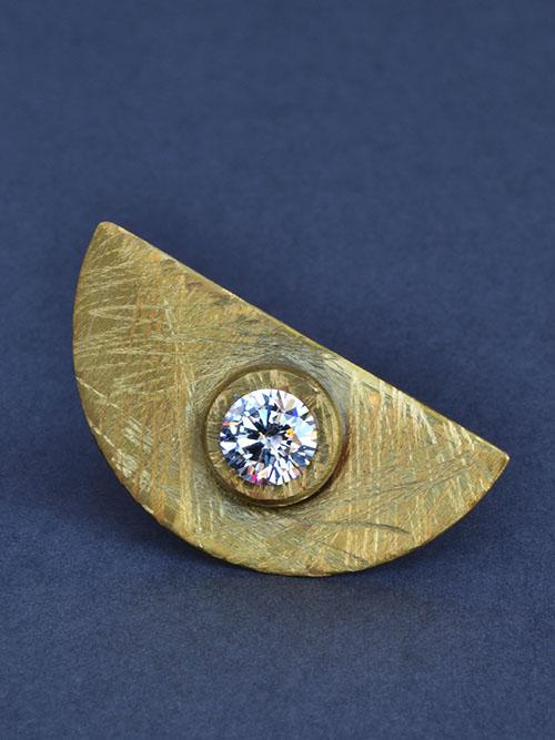 Δαχτυλίδι απο μπρούντζο με ζιργκόν. Για εντυπωσιακές εμφανίσεις.