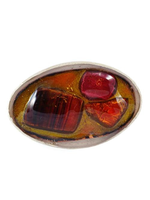 Ασημένιo 925 οβάλ μεσαίο δαχτυλίδι , (μέγιστο μήκος 4cm και ύψος 2,5cm)  με  σμάλτο και γυαλί σε γήινες αποχρώσεις.