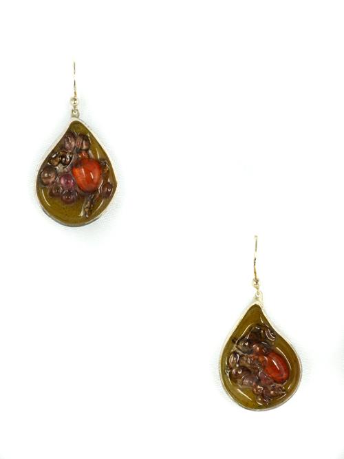 """Ασημένια 925  σκουλαρίκια """"σταγόνα"""" ,  (μέγιστο μήκος 1,8cm και ύψος 2,5cm)  με  σμάλτο και γυαλί."""